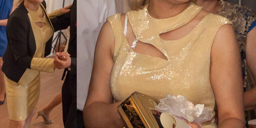 Mama pana młodego w sukience z De Marco