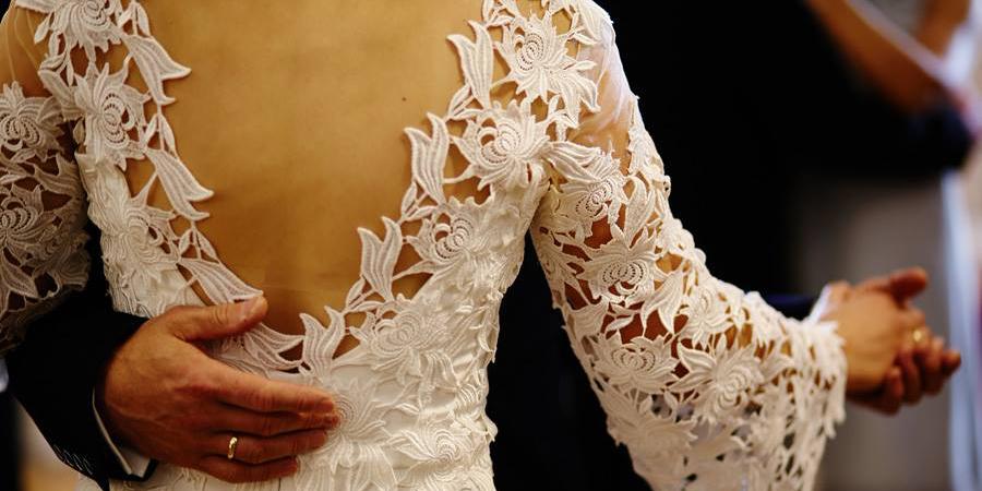 Suknia ślubna, szycie na miarę u projektanta