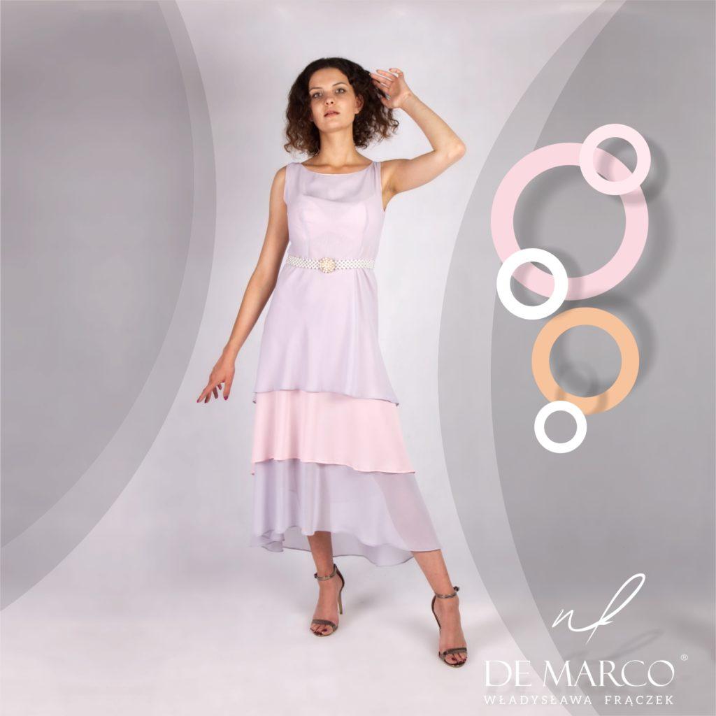 Lekka zwiewna popielato różowa sukienka na wesele latem.  Sklep projektantki ubrań Agaty Dudy zaprasza na zakupy.