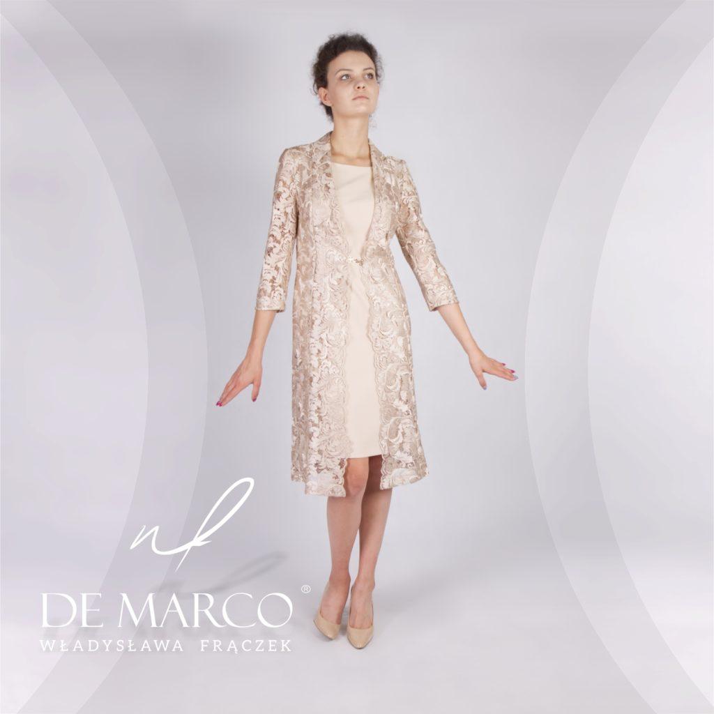 Koronkowy złoty płaszcz do sukienki na wesele. Szycie na miarę kreacji weselnej u projektantki mody Władysławy Frączek.