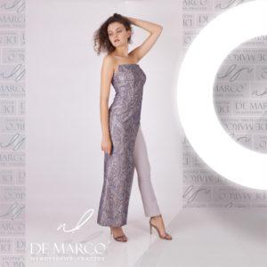 Żakardowa suknia wieczorowa ze spodniami to odważna stylizacja zaprojektowana przez W. Frączek. Zamów w sklepie internetowym De Marco.