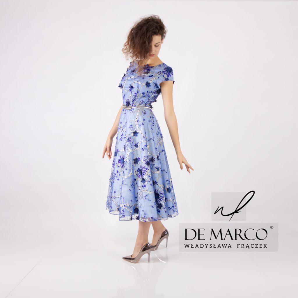 Rozkloszowana sukienka dla matki wesela.