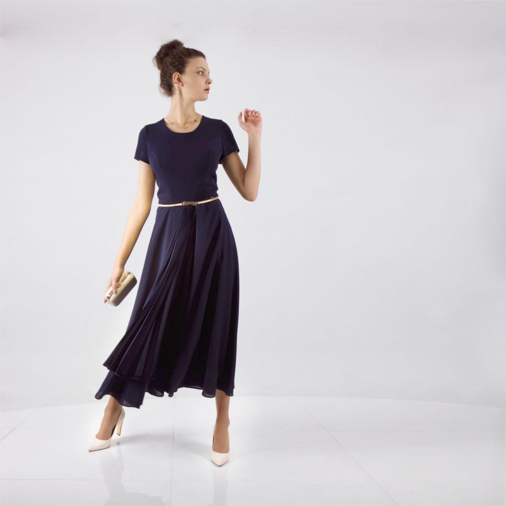 Modne sukienki w dużych rozmiarach. Profesjonale syzcie na miare u projektantki mody z De Marco.