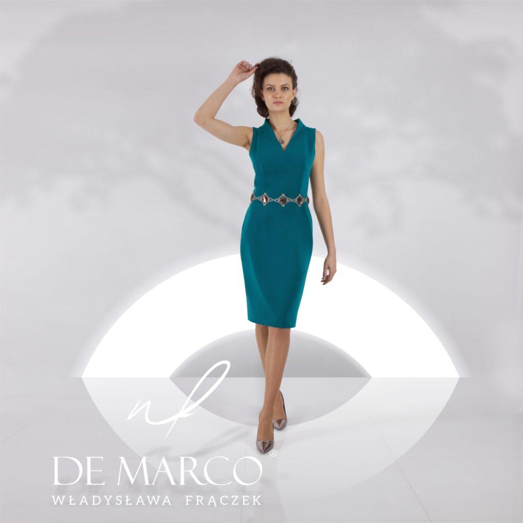 Elegancka wizytowa sukienka szyta na miarę w De Marco. Idealna kreacja na przyjęcie weselne 2020