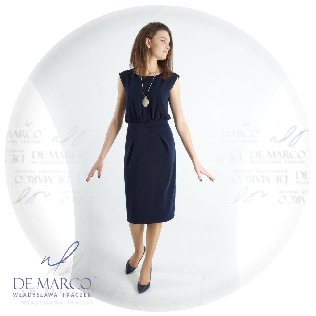 Biznesowa sukienka projektowana w Salonie Mody De Marco
