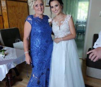 Długa suknia dla mamy wesela.