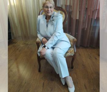 Ekskluzywny garnitur damski dla matki wesela 2021.