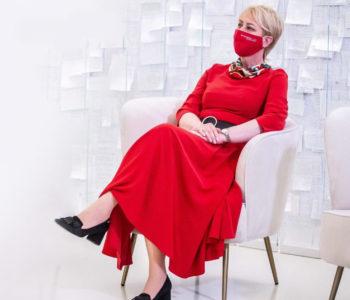Zabłyśnij na każdym spotkaniu. Czerwona sukienka Dziewanna